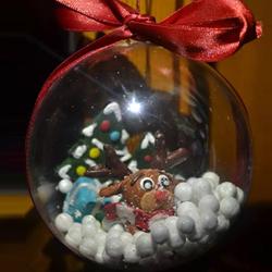 pallina natalizia con neve e renna in fimo